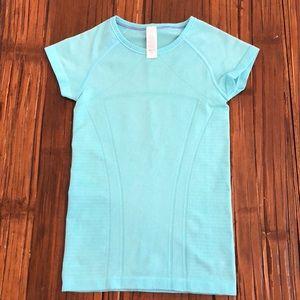Ivivva size 8 girls shirt